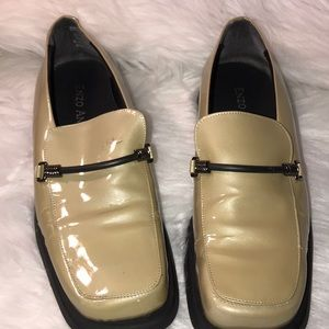 ENZO ANGIOLINI beige loafers size 8.5